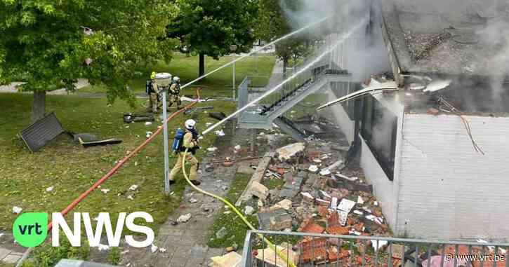 """Een dode en zware schade bij gasontploffing in Zele: """"Stukken uit muren en het dak zijn weggeblazen"""" - VRT NWS"""