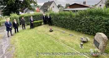 Gedenken an den Gräbern von sechs russischen Zwangsarbeitern - Südwestfalen Nachrichten | Am Puls der Heimat.