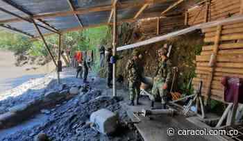 En Neira capturan dos personas por explotación ilícita de yacimiento minero - Caracol Radio
