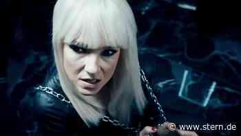 Carolin Kebekus schlüpft in die Rolle der Lady Gender Gaga - STERN.de