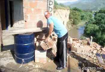 Guarenas | Dos viviendas se derrumban por lluvias en sector 4.5 de Trapichito - El Pitazo