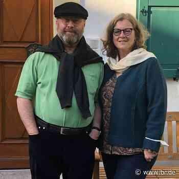 Besuch bei Pfarrer Martin Voß und Frau Tanja in Prichsenstadt - Servus! Musik und Gäste - BR24