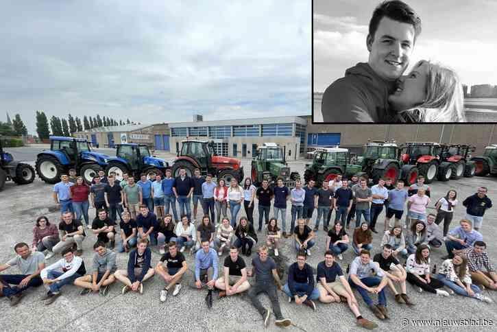 """Bijzonder eerbetoon aan overleden Bert (20) met meer dan tweehonderd tractoren: """"Hij zou dit machtig chic gevonden hebben"""""""