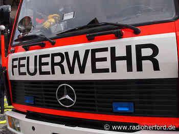 Feuerwehr löscht brennende Heuballen in Hiddenhausen - Radio Herford