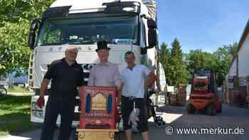 Hallbergmoos Hilfe für Bedürftige: Zum 250. Mal rollt ein Spenden-Transporter nach Bosnien - Merkur Online