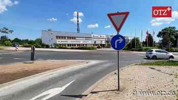 Autofahrer ignorieren neue Beschilderung in Hermsdorf - Ostthüringer Zeitung