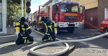 40 Wehrleute im Einsatz: Rauchmelder warnen Bewohner vor Wohnungsbrand in Alfter - General-Anzeiger Bonn
