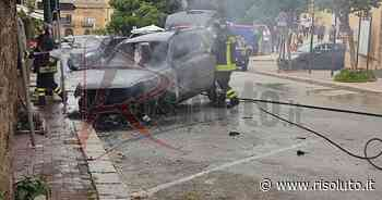 Parcheggia l'auto in centro a Sambuca e scoppia un incendio che distrugge il mezzo - Risoluto