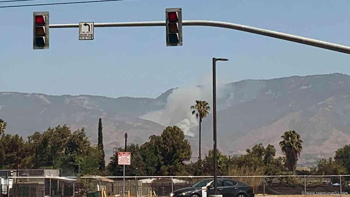 Incendio forestal arde en montañas al norte de San Bernardino - Telemundo 52