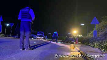 Unfall in Warstein-Suttrop: Autos kollidieren frontal - Fahrer (27) steigt aus und bricht zusammen - vier V... - soester-anzeiger.de