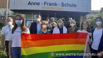 Spontane Kundgebung nach Hakenkreuzen an der Anne-Frank-Schule in Eschwege - werra-rundschau.de