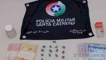 Arma, drogas, munições e rádios comunicadores são apreendidos em Laguna - Notisul