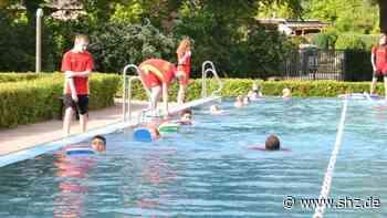 Nachfrage ist enorm groß: Quickborn: 80 frisch gebackene Schwimmabzeichen-Besitzer   shz.de - shz.de