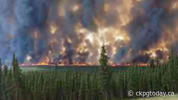VIDEO: Out of control wildfire closes Highway 97 south of Fort Nelson - CKPGToday.ca