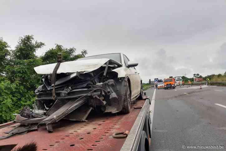 Kilometerslange file na ongeval op autosnelweg