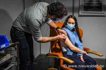 """Ook in Leuven alle achttien-plussers uitgenodigd voor vaccinatie: """"Bijna 80 procent volwassenen kreeg al eerste prik"""""""