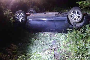 Unfall in Morsbach: Golf Cabrio überschlägt sich mehrfach, Mann wird aus Auto geschleudert und stirbt - TAG24