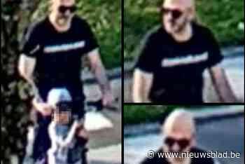 Agressieveling slaat bejaarde automobilist tegen de grond voor de ogen van kind - Het Nieuwsblad