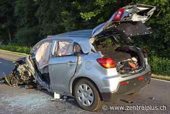 Frontal-Crash bei Rain – Fahrer (76) lebensbedrohlich verletzt - zentralplus