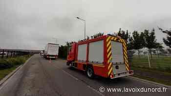 Vendin-le-Vieil : deux blessés légers dans un accident avec un poids lourd - La Voix du Nord