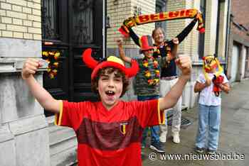 """Maurice (7), zoontje van betreurde Christophe Lambrecht, zet zijn hele buurt in Duivels decor: """"Vrijdag winnen we met 2-0"""""""