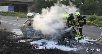 A560 - Auto brennt vollständig aus - Anschlussstelle Sankt Augustin - General-Anzeiger Bonn