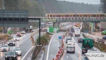 Verkehr Polizei Autobahn: Warnbake an der A10 fehlt - Autofahrer biegt in Birkenwerder falsch ab - moz.de