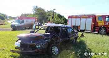 Colisão frontal envolve dois veículos em Santa Helena - CGN