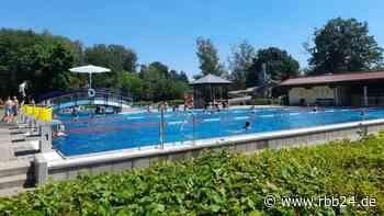 Blick ins Freibad Neuenhagen: Lieber Schwimmen mit Termin und Abstand als gar nicht - rbb24
