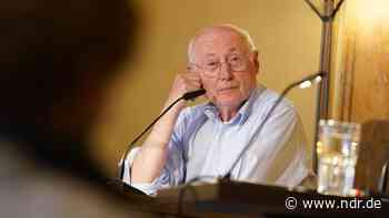 Stefan Aust: Der Vollblutjournalist ist 75 geworden - NDR.de