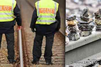 Vater legt mit Söhnen Steine auf Bahnschienen: Als der Zug kommt, geht die Aktion nach hinten los - TAG24