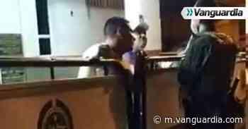 Video: Concejal de Piedecuesta en aparente estado de embriaguez discute con policías - Vanguardia