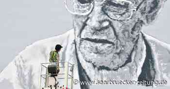 Street-Art-Künstler Hendrik Beikirch bemalt Hausfassade in Schiffweiler - Saarbrücker Zeitung