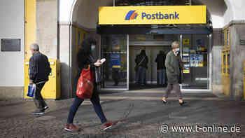 Strafzinsen auf Girokonto: Auch Postbank bittet ihre treuen Kunden zur Kasse - t-online.de
