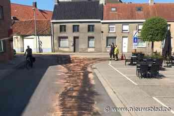 Tractorbestuurder zal moeten opdraaien voor fikse reinigings... (Koekelare) - Het Nieuwsblad