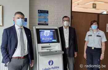 Digitale politiekiosk in gemeentehuis Lierde - Streekradio MIG - Radio MIG