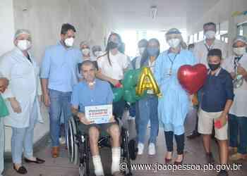 Paciente do Hospital Santa Isabel recebe alta após 113 dias de luta contra a Covid-19 - João Pessoa Governo Municipal