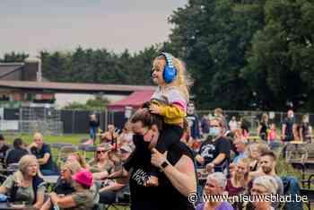 Festivalzomer start met Na Fir Bolg: 2.500 bezoekers houden zich netjes aan de regels - Het Nieuwsblad