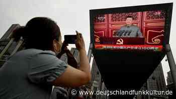"Stefan Aust/Adrian Geiges: ""Xi Jinping"" - Wie tickt der mächtigste Mann der Welt? - Deutschlandfunk Kultur"