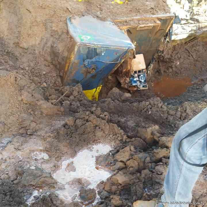 Brumadinho: 2 anos após tragédia, bombeiros descobrem locomotiva soterrada, veja o vídeo - Istoé Dinheiro