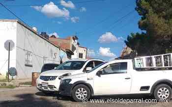 Omite alto y colisiona en calles de la colonia Bellavista - El Sol de Parral