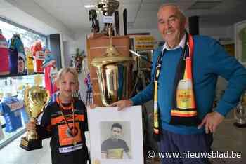 Jef (6) erft fietsbenen van opa 'Suske' Verhaegen en wordt Belgisch kampioen BMX