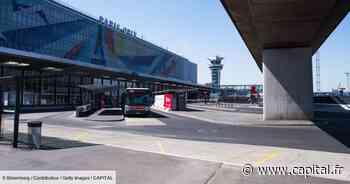 Orly : les lettres de la façade de l'aéroport ont enflammé les enchères - Capital.fr