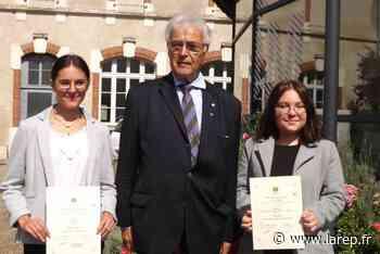 Deux lycéennes, lauréates d'un 2e prix de la Fédération Maginot - La République du Centre