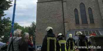 Kall-Sistig: Handwerker verhindern größeres Feuer am Kirchturm-Dach - Kölner Stadt-Anzeiger