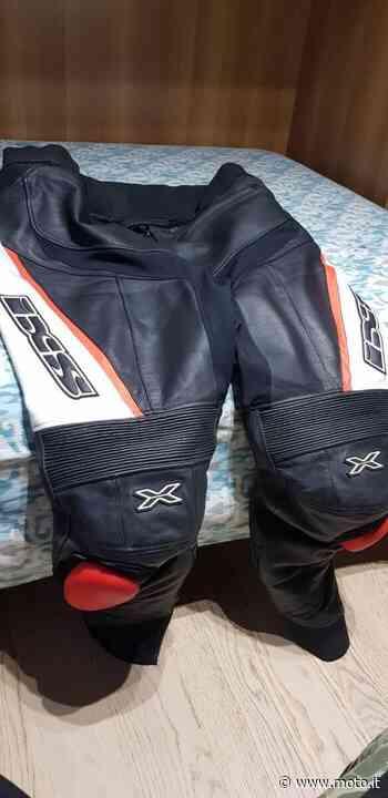 Vendo Pantaloni tuta in pelle TAGLIA 64 Ixs a Vailate (codice 8315296) - Moto.it