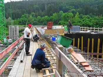 Geisingen: Die Donaubrücke in Geisingen nimmt jetzt Form an - SÜDKURIER Online