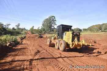 Prefeitura está readequando a estrada velha para Cruzeiro do Oeste, em Lovat - OBemdito