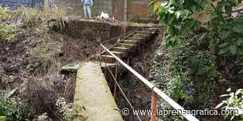 Vecinos de Zacatecoluca piden reparar puente - La Prensa Grafica