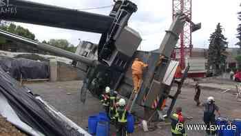 Umgestürzter Autokran in Boppard wird geborgen - SWR